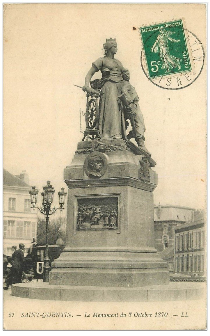 carte postale ancienne 02 SAINT-QUENTIN. Monument de 1870 en 1912