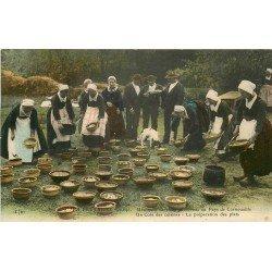 29 PAYS DE CORNOUAILLE. Préparation des plats pour une Noce 1913