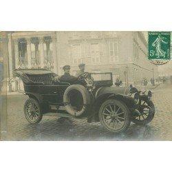 PARIS V. Superbe voiture ancienne et son Chauffeur Place du Panthéon. Photo carte postale ancienne