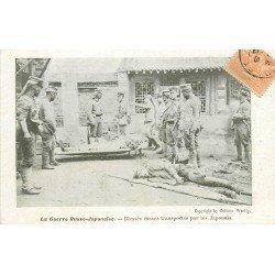 MILITAIRES. La Guerre Russo-Japonaise. Blessés russes transportés par des japonais vers 1904...