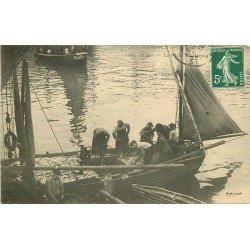 76 DIEPPE. La Pêche aux Harengs vers 1909