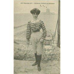 17 MARENNES. Pêcheuse d'Huîtres vers 1919