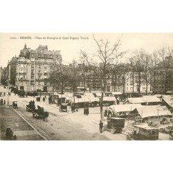 35 RENNES. Le Marché Place de Bretagne et Quai Duguay Trouin avec voitures anciennes