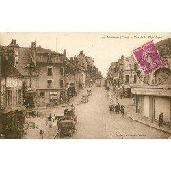 18 VIERZON. Grands Magasins et attelages Rue de la République et Place du Maréchal Foch 1932