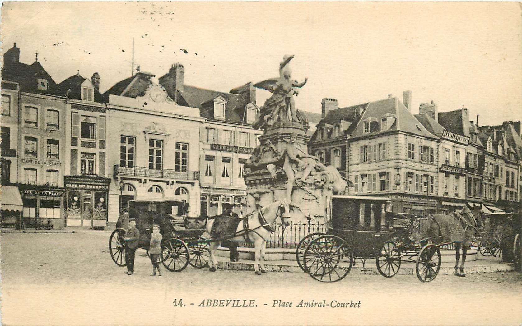 80 ABBEVILLE. Fiacres Taxis Place Amiral Courbet 1926 Café de la Place et du Bourdois