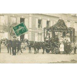 60 OISE. Cortège Fête attelage de fleurs. Photo Carte Postale ancienne 1909
