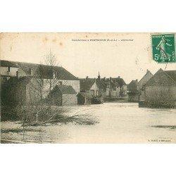 28 PONTGOUIN. L'Abreuvoir pendant les inondations.