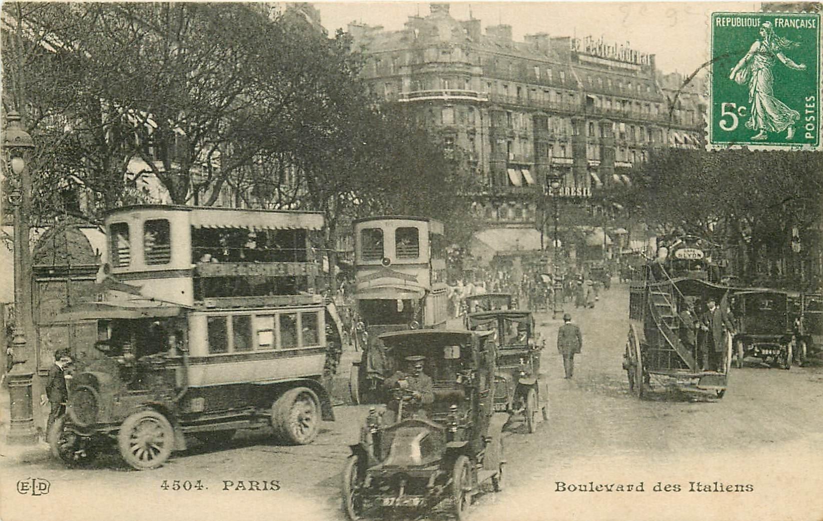 PARIS II° Bus à Impériale et Taxis Boulevard des Italiens vers 1913