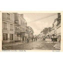 41 ROMORANTIN. Banque Société Générale sur Grande Rue. Pompe à essence devant Félix Potin
