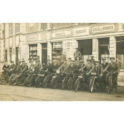 35 HIREL. Motards pour un Rallye devant Epicerie Mercerie Café des Sports. Photo carte postale ancienne