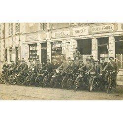 35 HIREL. Motards pour un Rallye devant Epicerie Mercerie Café des Sports. Photo carte postale ancienne