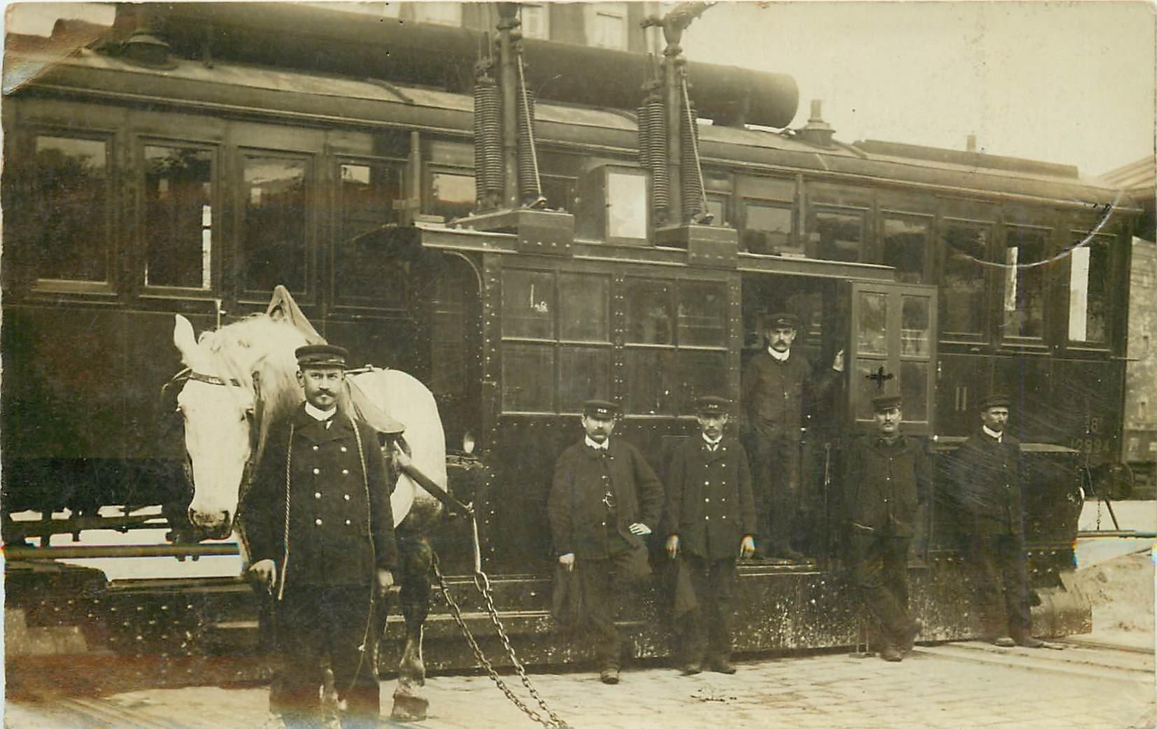 PONT TRANSBORDEUR. Compartiment d'un Train P.L.M pour changement de voie par traction animal et électrique