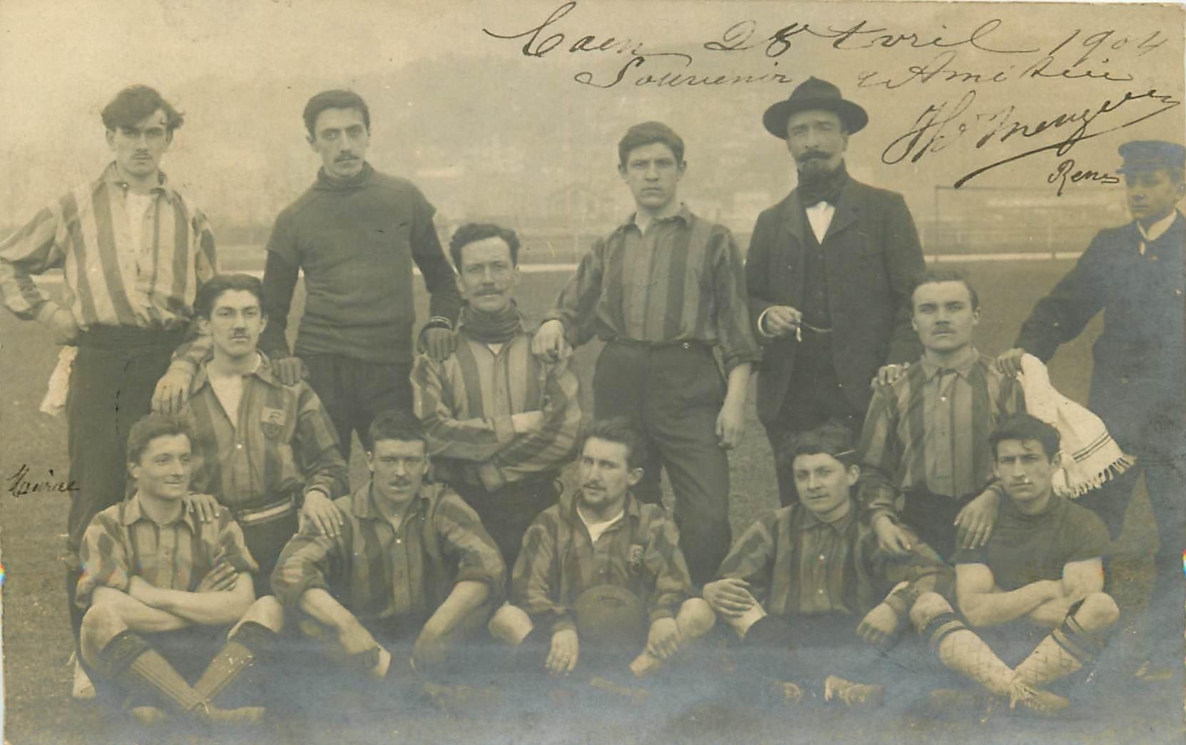 14 CAEN. L'Equipe de Football en 1904. Photo carte postale ancienne