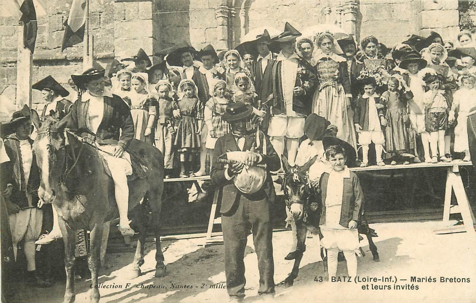 44 BATZ. Paludiers Mariés Bretons et leurs invités. Sel et marais salants