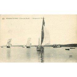 22 PERROS GUIREC. Le retour des Pêcheurs sur Barques de Pêche 1923