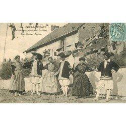 44 BOURG-DE-BATZ. Paludiers et Paludières pour s'amuser 1904. Sel et marais salants (défaut)