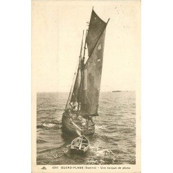 80 QUEND PLAGE. Une barque de pêche avec ses Pêcheurs 1934. Métiers de la Mer