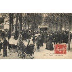 PARIS VIII. Les Guignols aux Champs-Elysées 1914 voiture à Chèvres