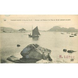 22 TREBEURDEN. Barque de Pêcheur de l'Ile de Sieck entrant au Port