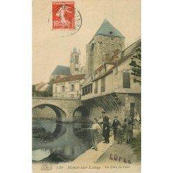 77 MORET-SUR-MARNE. Pêcheurs à la Ligne vers le Pont avec Epicerie Mercerie 1909