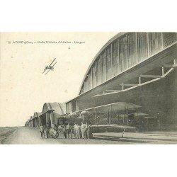 18 AVORD. Les Hangars Ecole Militaire d'Aviation. Mécaniciens et Aéroplane