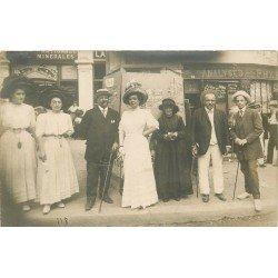 03 VICHY. Pharmacie Givois 14 rue du Président Wilson et baraque de photos cartes postales anciennes 1911