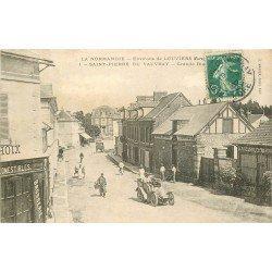 27 SAINT-PIERRE DU VAUVRAY. Tacot sur Grande Rue avec Boucherie 1907