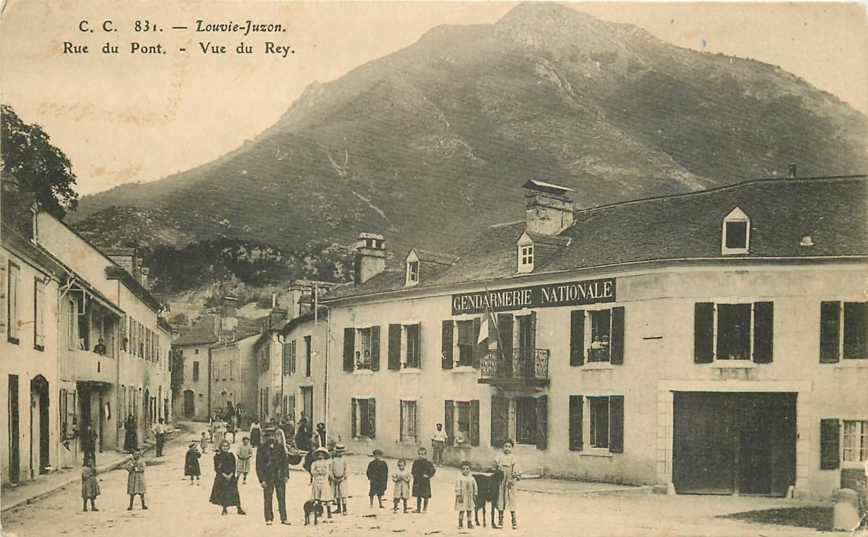64 YZESTE LOUVIE JUZON. Gendarmerie Nationale rue du Pont vue du Rey 1913