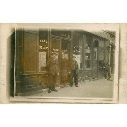 35 RENNES. Café Cayla au Quartier Sainte-Thérèse à côté du Cordonnier. Photo carte postale rare