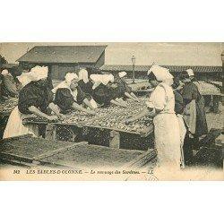 85 LES SABLES D'OLONNE. Le remuage des Sardines 1931