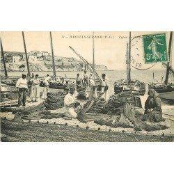 66 BANYULS-SUR-MER. Le Remaillage des filets de pêche par les Pêcheurs et Ouvrières 1912