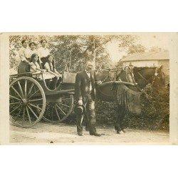 69 SATHONAY. Une ballade en Calèche vers 1913. Photo carte postale rare et ancienne