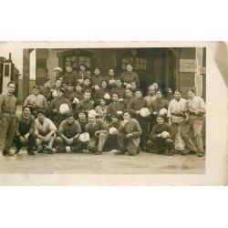 33 LIBOURNE. Groupe de Militaires préposés aux Cuisines. Photo carte postale ancienne vers 1910