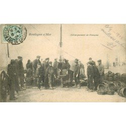 62 BOULOGNE-SUR-MER. Débarquement de Poissons 1906. Pêcheurs et Vendeuses