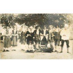 16 CHASSENEUIL-SUR-BONNIEURE. Troupe de l'Ecole Primaire Supérieure jouant l'Avare de Molière. Photo carte postale ancienne