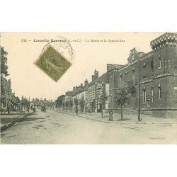 41 LAMOTTE-BEUVRON. La Mairie et la Grande Rue 1915