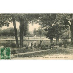93 LE RAINCY. Gardiens au Jardin Public devant la Pièce d'Eau 1913