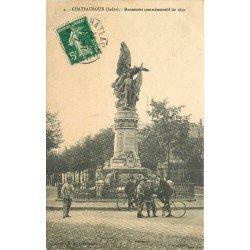 36 CHATEAUROUX. 1912 cyclistes devant le Monument commémoratif de 1870