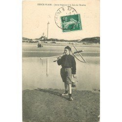 62 BERCK PLAGE. Jeune Pêcheur de Crustacés à la Baie de l'Authie 1908