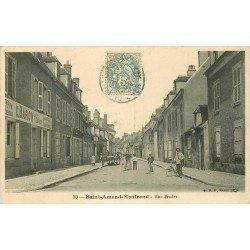 18 SAINT-AMAND-MONTROND. Le Facteur à vélo et le Commerce Baron rue Fradet 1905