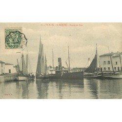 17 ÎLE DE RE. Saint-Martin. Bateaux de Pêches à l'Entrée du Port 1907