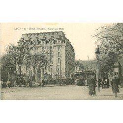 69 LYON. Tramways et fiacre devant l'Hôtel Terminus Cours du Midi