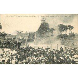 29 SAINT-JEAN-DU-DOIGT. Le Pardon avec Allumage du Feu de Joie 1912