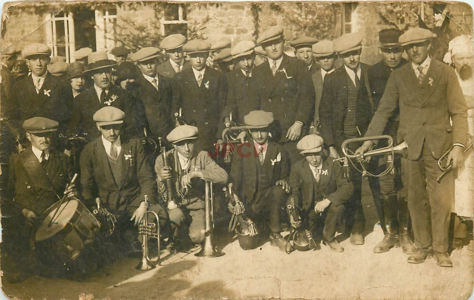 50 SAINT ROMPHAIRE. Photo carte postale de Conscrits Musiciens 1928