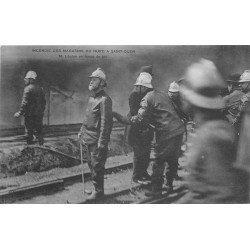 93 SAINT-OUEN. Incendie des Magasins du Nord. Lépine en tenue de feu avec les Pompiers