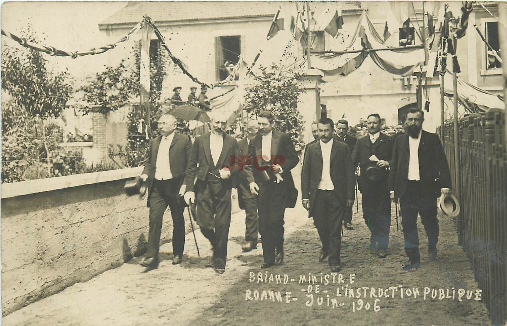 WW 42 ROANNE. Briand Ministre de l'instruction publique 1906. Photo carte postale de Chambosse