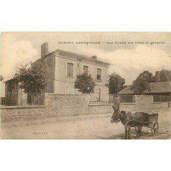 WW 03 DURDAT LAREQUILLE. Attelage âne devant les Ecoles de filles et Garçons