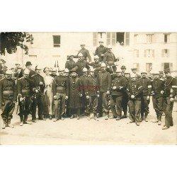 92 LA GARENNE-COLOMBES. Les Sapeurs Pompiers. Photo carte postale par Duvau vers 1910