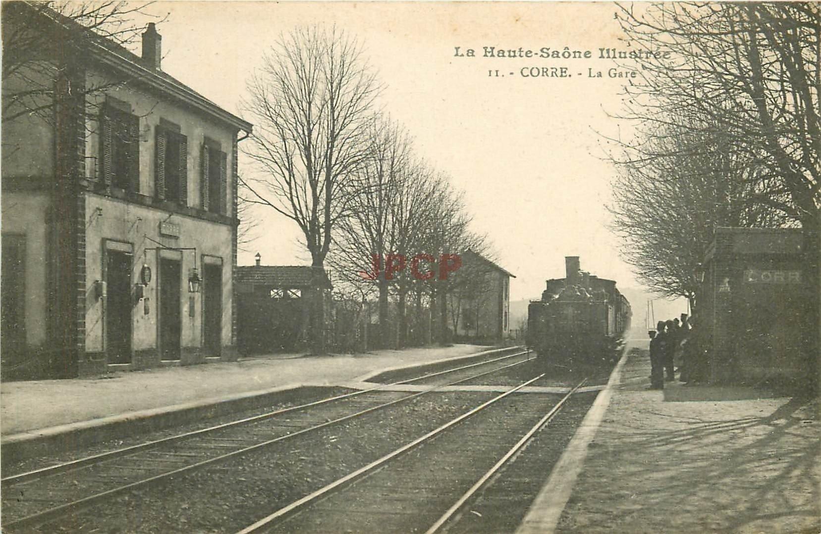 WW 70 CORRE. Arrivée du Train avec locomotive à vapeur en Gare