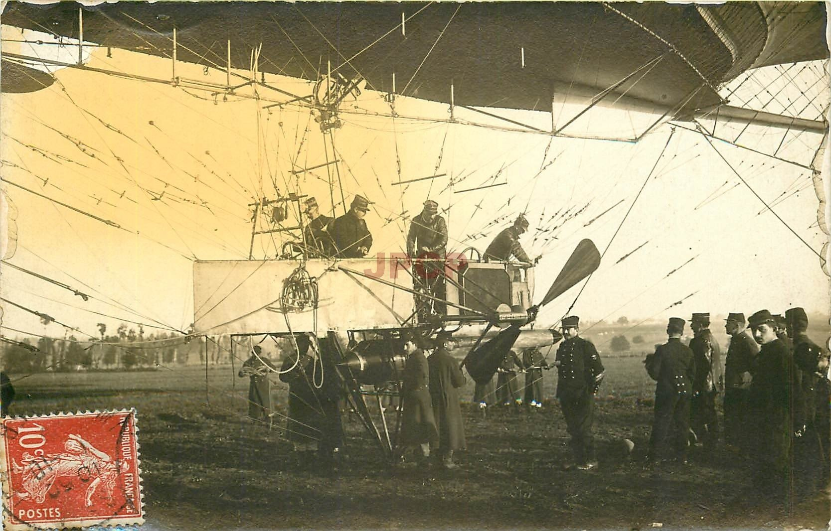 "03 LAPALISSE. Départ nacelle du Ballon Diriigeable Zeppelin "" La République "" Photo Cpa 1909"